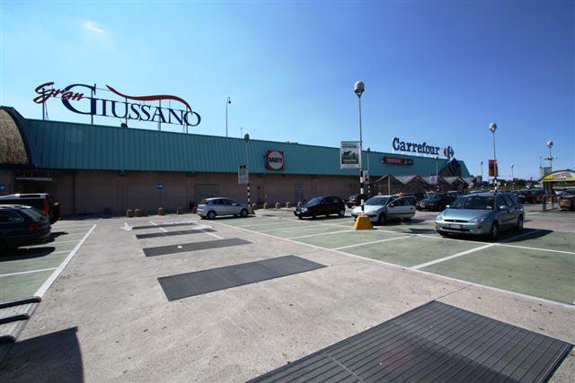 Carrefour giussano